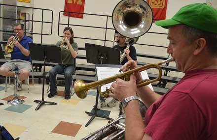 emerald knights, emerald knights iowa, emerald knights drum and bugle corps, drum and bugle
