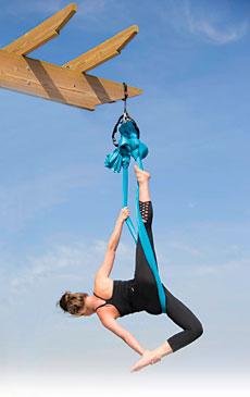 aerial yoga, maya busscher